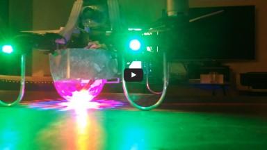 Silver LEDar auf dem Tisch video